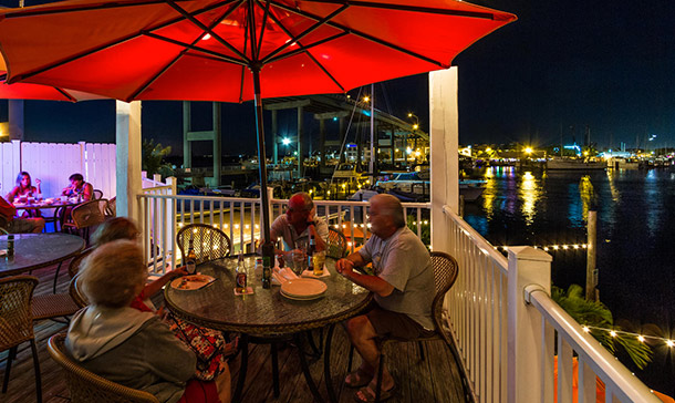 Matanzas inn fort myers beach bayside resort marina for Fish restaurant fort myers